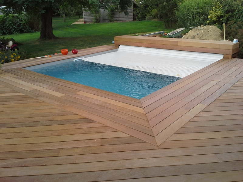 Abri piscine hors sol bois cheap bache piscine hexagonale for Piscine bois nice